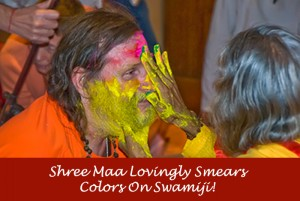Shree-Maa-Paints-Swamiji-2