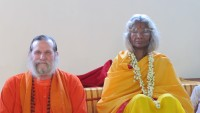 Shree Maa and Swamiji with Red Towel