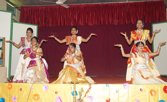 digboi-dancers-1