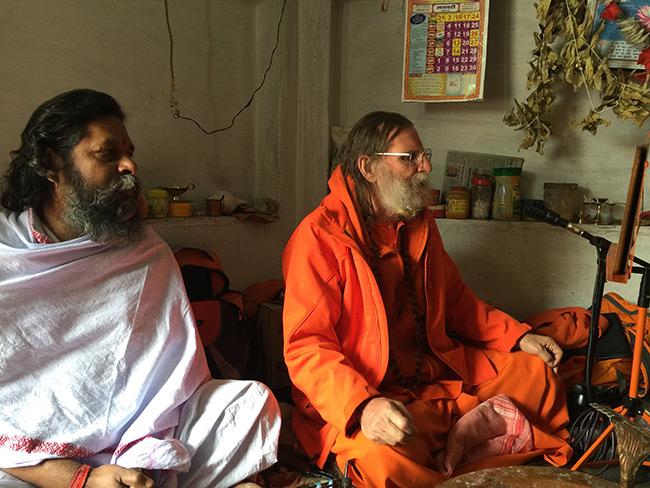 shiva-puja-and-chanting-in-harihara-ashram_1